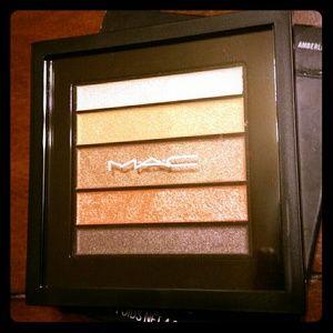 Mac Eyeshadow Palette   Amberluxe